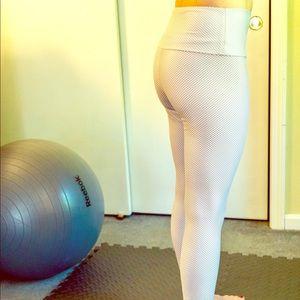 Onzie NWOT yoga pants